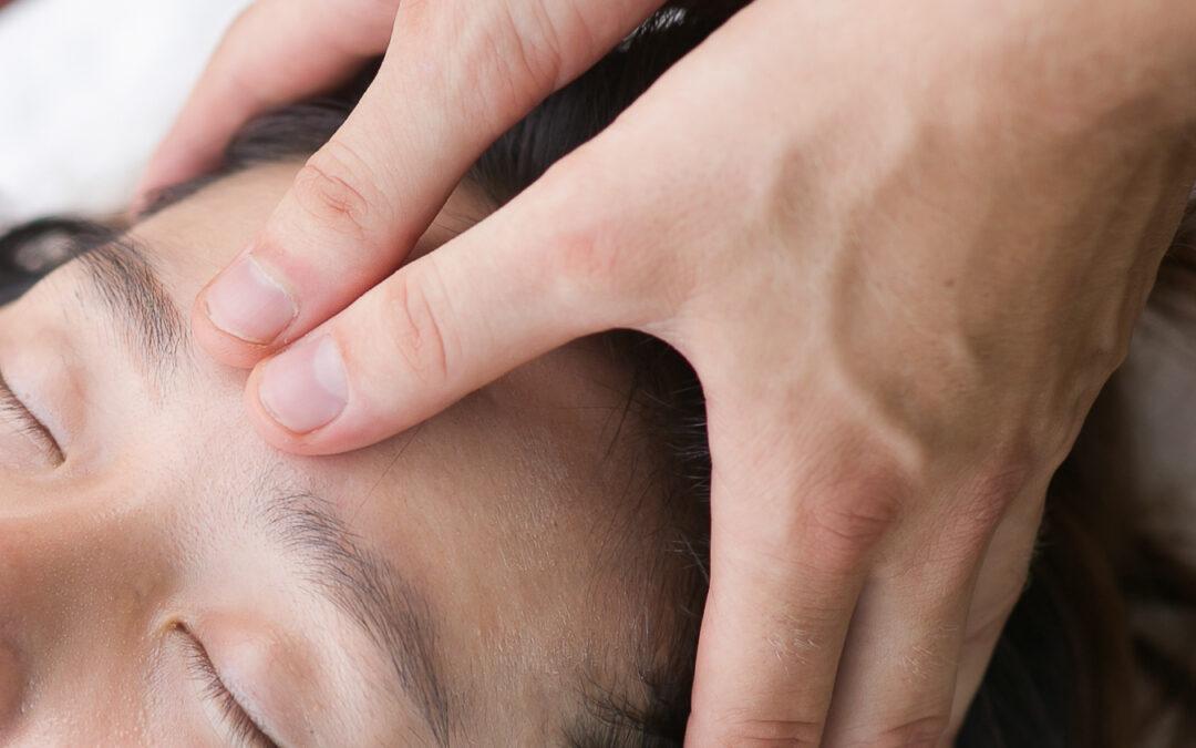 Účinné akupresurní body na hlavě